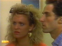 Noelene Mangel, Ted Vickers in Neighbours Episode 0877
