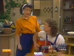 Lucy Robinson, Henry Ramsay in Neighbours Episode 0878