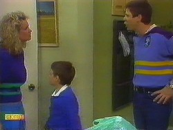 Noelene Mangel, Toby Mangel, Joe Mangel in Neighbours Episode 0878