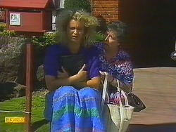 Noelene Mangel, Edith Chubb in Neighbours Episode 0878