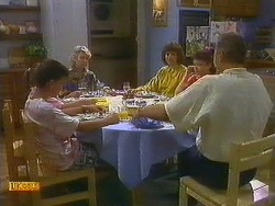 Todd Landers, Helen Daniels, Beverly Robinson, Lucy Robinson, Jim Robinson in Neighbours Episode 0881