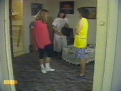 Carolyn Woodhouse, Mrs. Woodhouse, Lucy Robinson in Neighbours Episode 0881