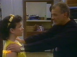 Lucy Robinson, Jim Robinson in Neighbours Episode 0882