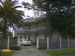 in Neighbours Episode 0882