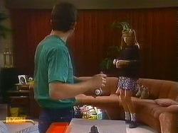 Des Clarke, Bronwyn Davies in Neighbours Episode 0883