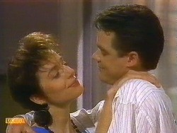 Gail Robinson, Paul Robinson in Neighbours Episode 0883
