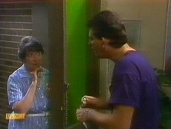 Edith Chubb, Des Clarke in Neighbours Episode 0883