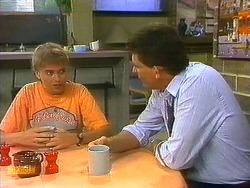 Bronwyn Davies, Des Clarke in Neighbours Episode 0884