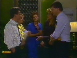Paul Robinson, Bronwyn Davies, Gail Robinson, Penelope Porter, Des Clarke in Neighbours Episode 0884