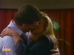 Des Clarke, Penelope Porter in Neighbours Episode 0884