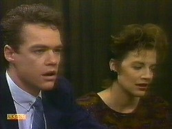 Paul Robinson, Gail Robinson in Neighbours Episode 0884
