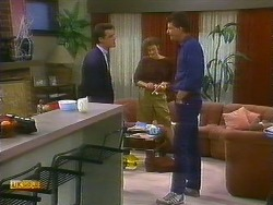 Paul Robinson, Gail Robinson, Des Clarke in Neighbours Episode 0885