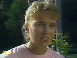 Bronwyn Davies in Neighbours Episode 0885