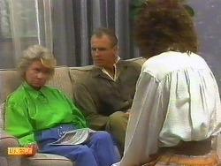 Helen Daniels, Jim Robinson, Beverly Marshall in Neighbours Episode 0886
