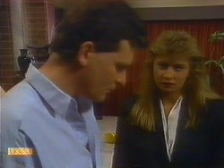 Des Clarke, Penelope Porter in Neighbours Episode 0887