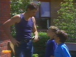 Joe Mangel, Katie Landers, Toby Mangel in Neighbours Episode 0887