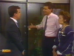Paul Robinson, Des Clarke, Gail Robinson in Neighbours Episode 0887