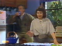 Jim Robinson, Beverly Robinson in Neighbours Episode 0889