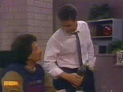 Mark Granger, Paul Robinson in Neighbours Episode 0889