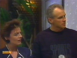 Gail Robinson, Jim Robinson in Neighbours Episode 0889