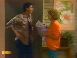 Joe Mangel, Madge Bishop in Neighbours Episode 0890