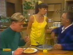 Scott Robinson, Kerry Bishop, Harold Bishop in Neighbours Episode 0892