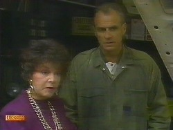 Gloria Lewis, Jim Robinson in Neighbours Episode 0893