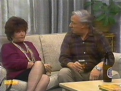 Gloria Lewis, Rob Lewis in Neighbours Episode 0893