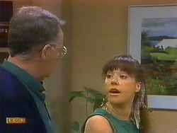 Harold Bishop, Kerry Bishop in Neighbours Episode 0896