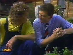Henry Ramsay, Des Clarke in Neighbours Episode 0900