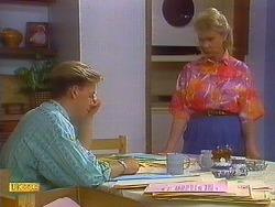 Scott Robinson, Helen Daniels in Neighbours Episode 0900