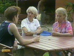 Gail Robinson, Rosemary Daniels, Helen Daniels in Neighbours Episode 0901