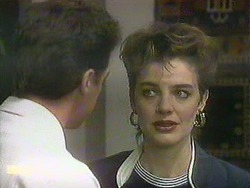 Paul Robinson, Gail Robinson in Neighbours Episode 0901