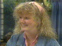 Sharon Davies in Neighbours Episode 0901
