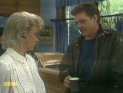 Helen Daniels, Paul Robinson in Neighbours Episode 0902