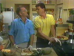 Harold Bishop, Des Clarke in Neighbours Episode 0902