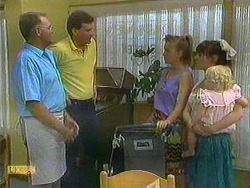 Harold Bishop, Des Clarke, Bronwyn Davies, Kerry Bishop, Sky Mangel in Neighbours Episode 0902