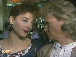 Gail Robinson, Helen Daniels in Neighbours Episode 0902