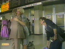 Helen Daniels, Rosemary Daniels, Gail Robinson in Neighbours Episode 0902