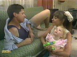Joe Mangel, Kerry Bishop, Sky Bishop in Neighbours Episode 0903