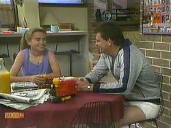 Bronwyn Davies, Des Clarke in Neighbours Episode 0903