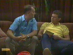 Harold Bishop, Des Clarke in Neighbours Episode 0904