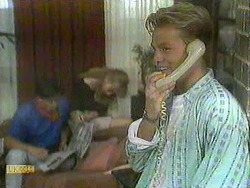 Mike Young, Jane Harris, Scott Robinson in Neighbours Episode 0905