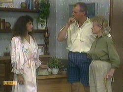 Madeline Price, Jim Robinson, Helen Daniels in Neighbours Episode 0905