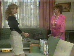 Jane Harris, Gloria Lewis in Neighbours Episode 0905