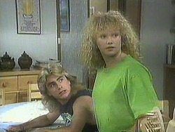 Nick Page, Sharon Davies in Neighbours Episode 0906