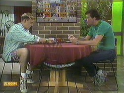 Scott Robinson, Des Clarke in Neighbours Episode 0906