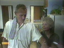 Jim Robinson, Helen Daniels in Neighbours Episode 0906