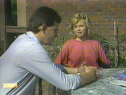 Des Clarke, Jenny Owens in Neighbours Episode 0907