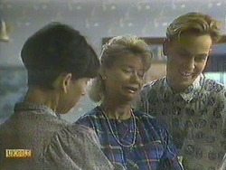 Hilary Robinson, Helen Daniels, Scott Robinson in Neighbours Episode 0908